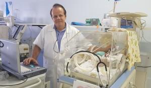 Dr. Paulo R. Margotto-Realizando Ecografias transfontanelares na Unidade de Neonatologia do HMIB/SES/DF(31/1/2019)