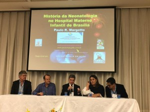 Abertura do 1º Simpósio Internacional de Neonatologia do DF e HMIB: 25/10/2018): Dr. João Vilela, Paulo R. Margotto, Dennis Burns, Sandra Lins e Carlos Zaconeta
