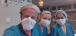 Drs. Paulo R. Margotto, Maria Eduarda Canelas e Deborah (UTI Neonatal do Hospital Santa Lúcia-25-8-2020)