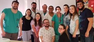 Drs. Paulo R. Margotto, Marta DR de Moura e Fabiana Pontes (de verde) com os Residentes da Neonatologia do HMIB/SES/DF (3/6/2019)