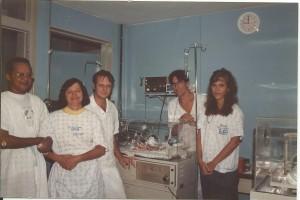 Drs. José Rodrigues, Marlene, Paulo R. Margotto, Jefferson e Miza, em 1993, no Berçário do HRAS/SES/DF