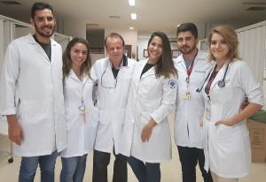 Internos da Faculdade de Medicina da  Universidade Católica de Brasília: Doutorandos Raphael, Geovana, (Dr. Paulo R. Margotto), Ana Júlia, Paulo e Caroline (22/10/2018)