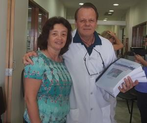 Drs. Luciana Jatobá e Paulo R. Margotto na Entrega das Provas da 4a Edição do Livro Assistência ao Rec´-m-Nascido de Risco, 4a Edição, 2019 (19/12/2018)