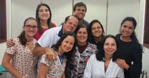R4 da Unidade de Neonatologia do HMIB (2018-2019), com Drs. Paulo R. Margotto e JoseleideDe Castro (12-2-2019)